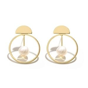 ❇️2 for 32$❇️Natural Pearl Geometric Gold Earrings